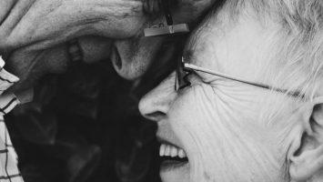 Až 60% seniorov po 70-tke prežíva aktívny sexuálny život